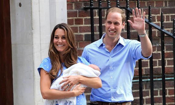 prince-william-kate-middleton-lindo-wing-steps-prince-george-t