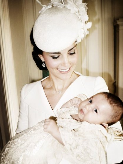 princess-charlottes-royal-christening-by-mario-testino-1436452902-view-1